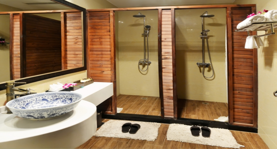 Bathrooms With A 1920s Twist