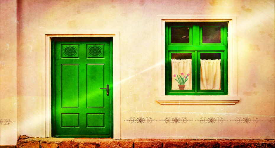 Your Front Door Might Not Be As Burglar-Proof As You Think It Is...