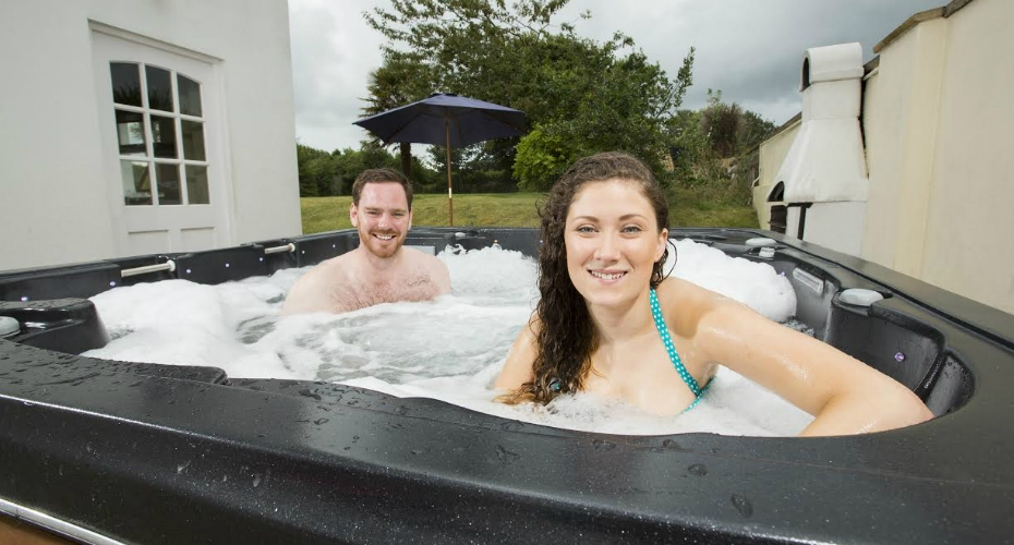 New TV show to celebrate Brits love of the hot tub
